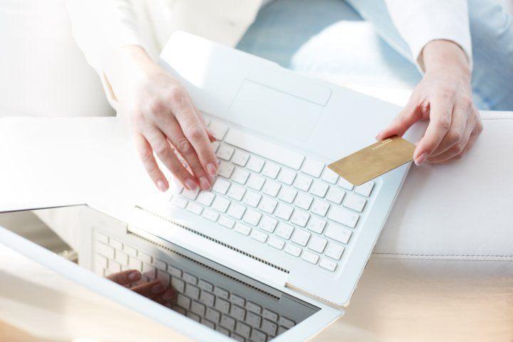 Sử dụng thẻ visa trong danh sách backlist facebook.